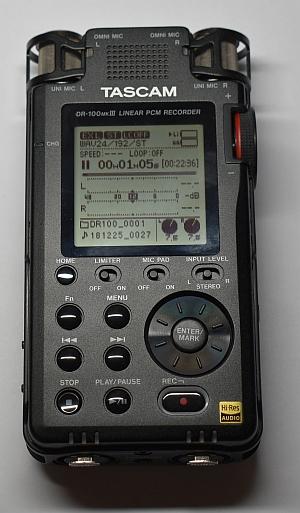 Rekordér Tascam DR-100 MK3 - pohled
